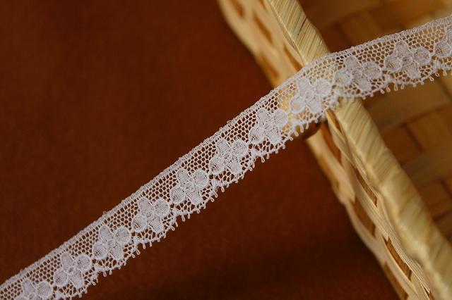 画像1: 5m幅1.5cm小花柄フランス製リバーレース ホワイト