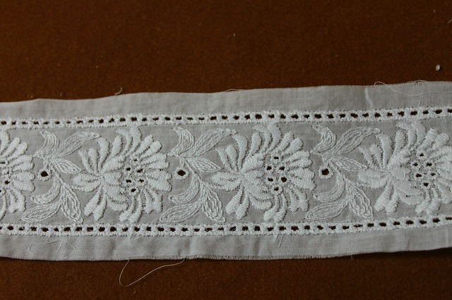 画像2: 6.3m!幅6.5cm両山刺繍が豪華な花柄綿レース オフホワイト
