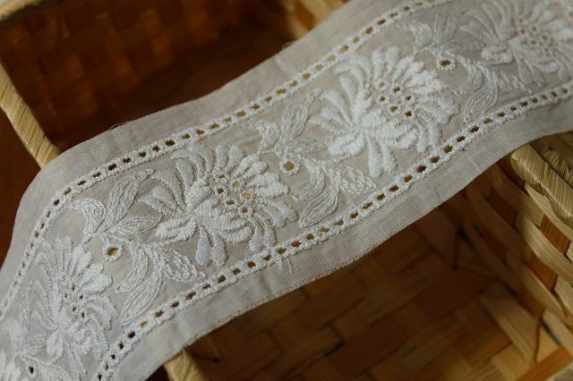 画像3: 6.3m!幅6.5cm両山刺繍が豪華な花柄綿レース オフホワイト