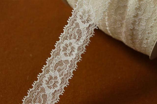 画像1: 大量49m!幅3.1cm透け感のある綺麗な花柄ラッセルストレッチレース オフホワイト