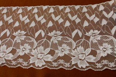 画像1: ラッセルレース ホワイト 1m!幅19cm花柄
