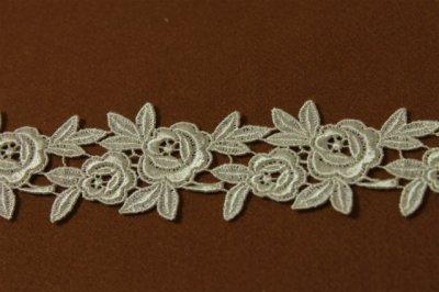 画像1: 1m!幅4.5cm薔薇のケミカルレース オフホワイト 日本製