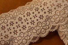 画像2: ラッセルストレッチレース モカブラウン 幅12.5cm可愛い花柄 3m巻 (2)