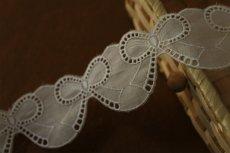 画像3: 約55枚(3m巻)!幅4.2cm可愛いリボンのモチーフ柄綿レース ホワイト (3)