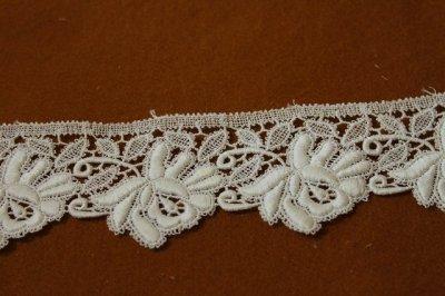 画像2: 約60枚!幅5.5cm美しい薔薇の綿ケミカルレース オフホワイト