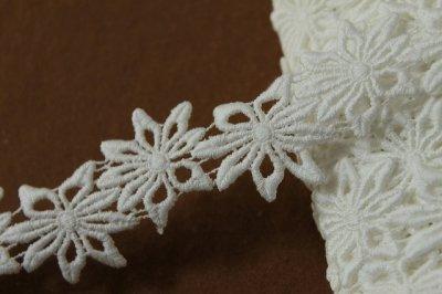 画像2: 6.5m!幅3.1cmお花の綿ケミカルレース オフホワイト