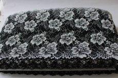 画像4: 5m!幅17.2cm薔薇がいっぱいラッセルストレッチレース 黒オフホワイト (4)