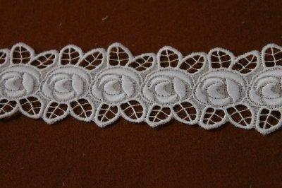 画像2: 3m!幅4.7cm刺繍の綺麗な薔薇柄綿レース ホワイト