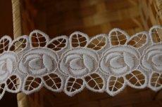 画像4: 3m!幅4.7cm刺繍の綺麗な薔薇柄綿レース ホワイト  (4)