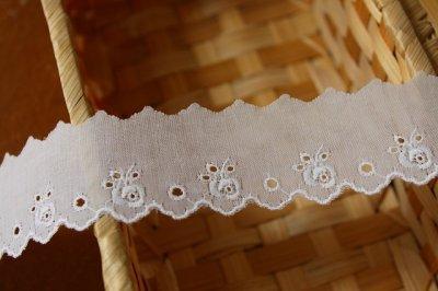 画像2: 幅3..2cm可愛い薔薇柄柄綿レース ホワイト