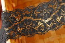 画像1: 5m!幅5.5cm小花柄リバーストレッチレース 黒 (1)