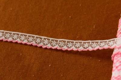 画像2: 5m!幅1.3cm可愛いピンク刺繍のラッセルレース 濃いピンク