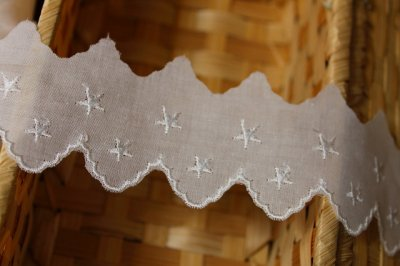 画像2: 6m巻!幅4cm綺麗な星柄綿レース ホワイト