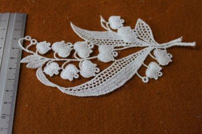 画像3: 可愛いスズラン柄綿ケミカルアップリケ オフホワイト