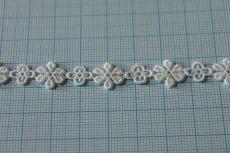 画像4: 幅1.1cm大小の小花ケミカルレース オフホワイト (4)