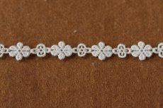 画像3: 幅1.1cm大小の小花ケミカルレース オフホワイト (3)