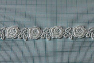 画像2: 3m!幅1.3cm薔薇柄綿ケミカルレース オフホワイト