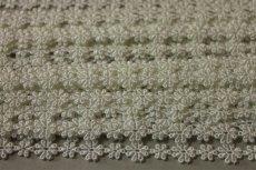 画像8: 6m!幅1.1cm大小のお花柄ケミカルレース オフホワイト (8)