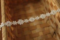 画像5: 6m!幅1.1cm大小のお花柄ケミカルレース オフホワイト (5)