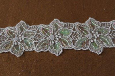 画像2: 幅4.2cmお花のスパンコール付きチュールレース ホワイト/マルチカラー オートクチュール