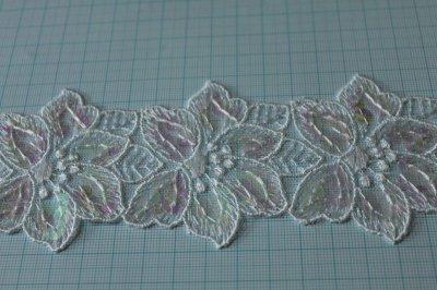 画像1: 幅4.2cmお花のスパンコール付きチュールレース ホワイト/マルチカラー オートクチュール