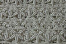 画像7: 3m!幅2.2cm綺麗な花と葉柄綿ケミカルレース オフホワイト (7)