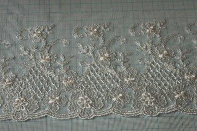 画像1: 3m!幅10.5cm繊細な花柄刺繍のチュールレース オフホワイト
