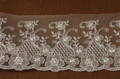 画像2: 3m!幅10.5cm繊細な花柄刺繍のチュールレース オフホワイト