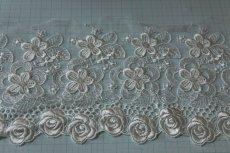 画像3: 1m!幅12.5cm豪華な薔薇柄チュールレース オフホワイト (3)