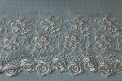 画像1: 1m!幅12.5cm豪華な薔薇柄チュールレース オフホワイト