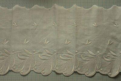 画像1: 1m!幅19cm美しい葉っぱ柄綿混ボーダーレース オフホワイト
