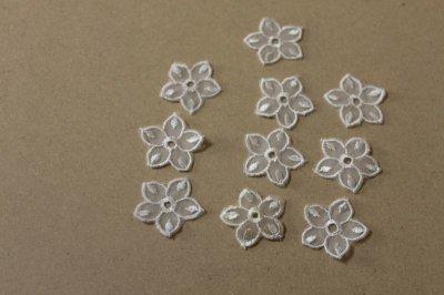 画像3: 12個セット!幅3cmお花のチュールモチーフ オフホワイト