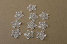 画像3: 12個セット!幅3cmお花のチュールモチーフ オフホワイト (3)