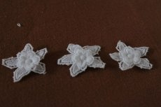 画像7: 150円!5個組!幅3cm2段のお花ケミカルレースモチーフ ホワイト (7)