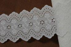 画像5: 綿レース オフホワイト 幅7.3cm刺繍のきれいな両山 3m巻 (5)