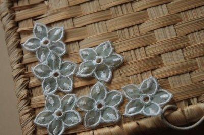 画像2: 10枚組!幅2.8cm透け感が可愛い花柄モチーフ ミントグリーン