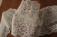 画像7: ラッセルレース オフホワイト マスク 幅14.2cm両山花柄 1m (7)
