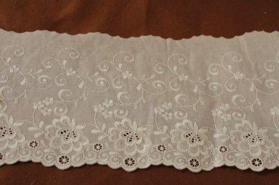 画像2: 幅15cm豪華な花柄綿レース オフホワイト