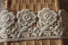 画像7: 3m!幅6.5cm美しい刺繍の花柄綿ケミカルレース オフホワイト (7)