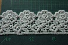 画像8: 3m!幅6.5cm美しい刺繍の花柄綿ケミカルレース オフホワイト (8)