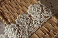 画像6: 3m!幅6.5cm美しい刺繍の花柄綿ケミカルレース オフホワイト (6)