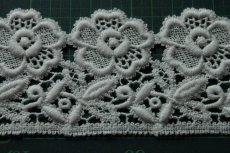 画像9: 3m!幅6.5cm美しい刺繍の花柄綿ケミカルレース オフホワイト (9)