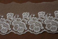 画像4: 1m巻幅11.2cm大ぶりの花柄チュールレース オフホワイト  (4)