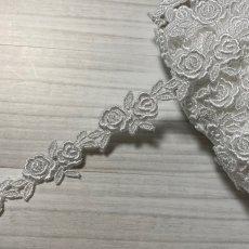 画像3: ケミカルレース オフホワイト  幅2cmツインの薔薇柄 6m巻 (3)