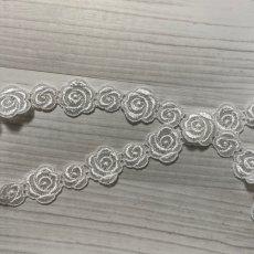 画像4: ケミカルレース オフホワイト  幅2.3cm大小の薔薇柄 3m巻 (4)