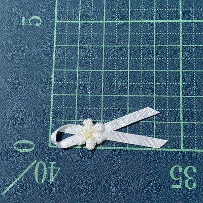 画像1: 5個セット!幅4.2cm小花ケミカルリボンモチーフ ホワイト ハンドメイドに