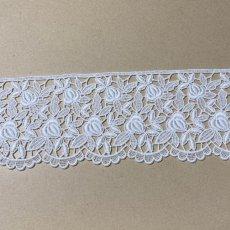画像2: 綿ケミカルレース オフホワイト 幅8.6cm 薔薇柄 1m (2)