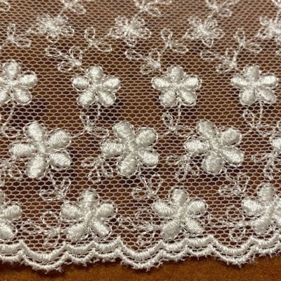 画像3: チュールレース オフホワイト 幅10.4cm小花柄 1m巻!