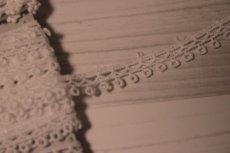 画像3: 綿ケミカルレース オフホワイト幅1cm エスニック風 3m巻 (3)