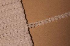 画像5: ケミカルレース オフホワイト 幅0.9cm 極細花柄 6m巻 (5)